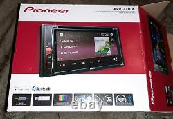 Pioneer AVH-211EX Car Stereo, double DIN, CD/DVD, great condition