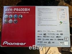 Pioneer AVH-P8400BH Double DIN Multimedia Car Stereo / 7-Inch Widescreen Touch
